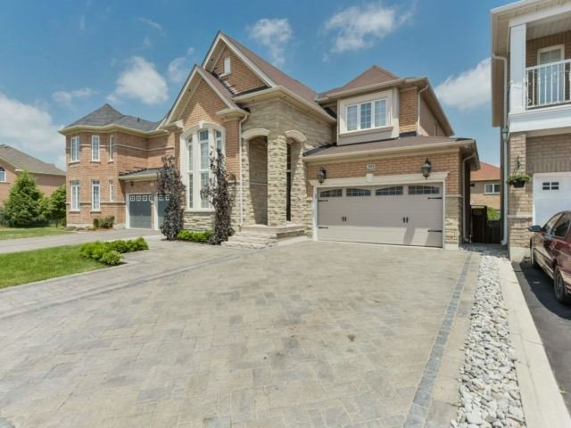 Sold: 393 Sunny Meadow Boulevard, Brampton, ON