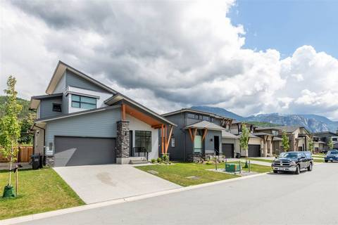 House for sale at 39342 Mockingbird Cres Squamish British Columbia - MLS: R2404286
