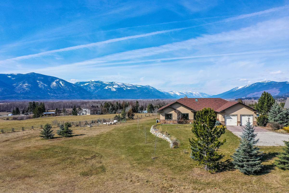House for sale at 3937 Riverview Road  Lister British Columbia - MLS: 2451227