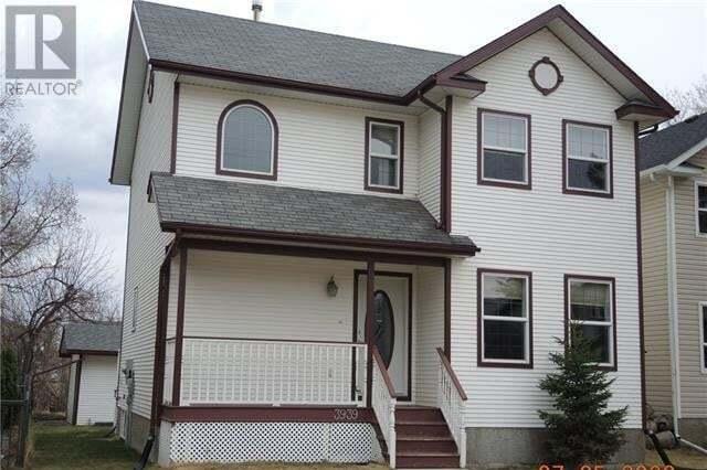 House for sale at 3939 50 Ave Sylvan Lake Alberta - MLS: CA0193277