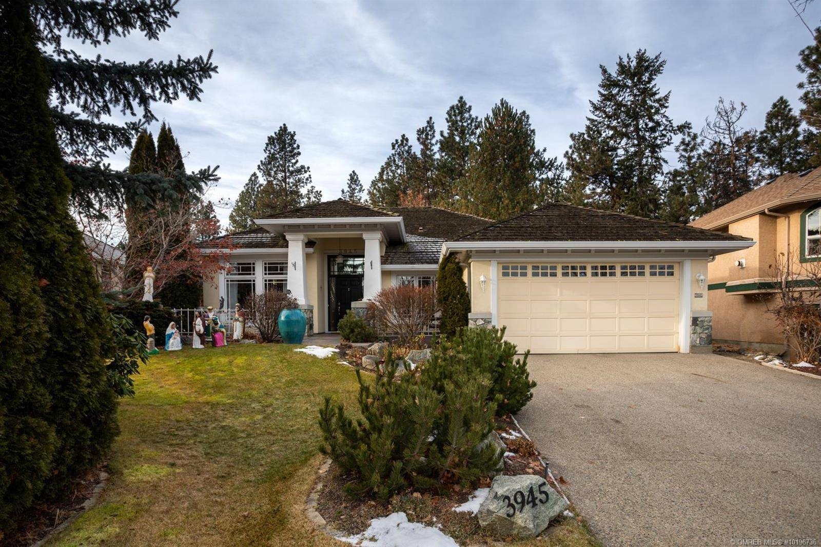 House for sale at 3945 Gallaghers Circ Kelowna British Columbia - MLS: 10196736