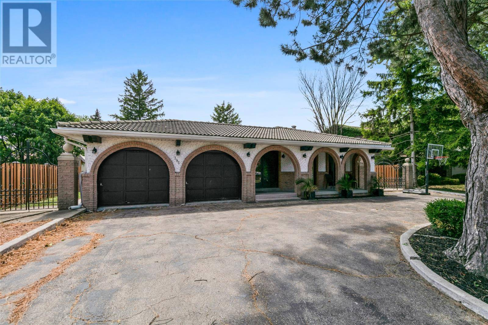 House for sale at 395 Fairway  Tecumseh Ontario - MLS: 19027194