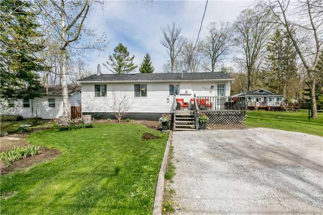 For Sale: 3965 Alcina Avenue, Innisfil, ON | 2 Bed, 1 Bath House for $450,000. See 20 photos!