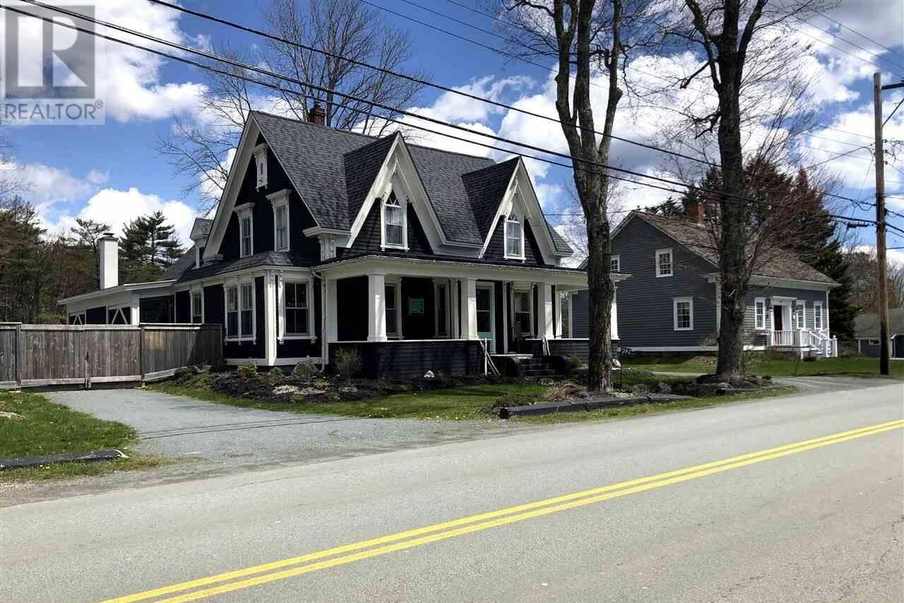 House for sale at 397 Main St Mahone Bay Nova Scotia - MLS: 202007417