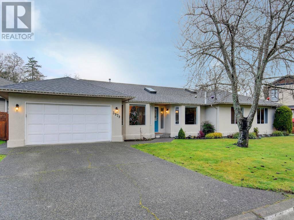 House for sale at 3979 Blue Ridge Pl Victoria British Columbia - MLS: 419472
