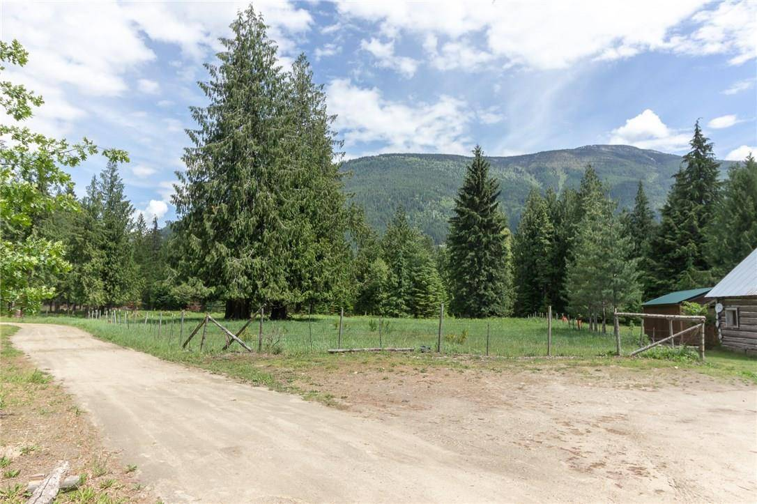 Home for sale at 16126 Highway 3a Hy Unit 3a Crawford Bay British Columbia - MLS: 2435373