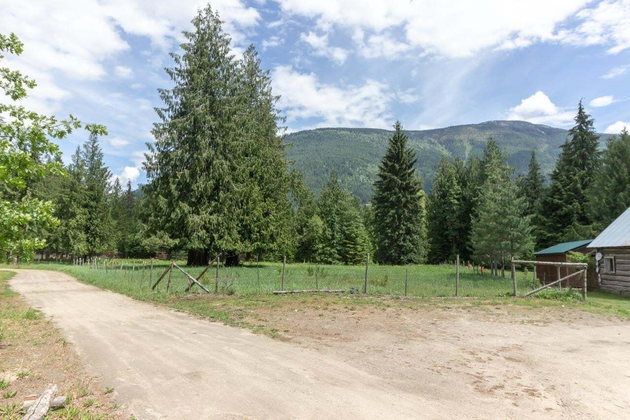 Residential property for sale at 16126 Highway 3a Hy Unit 3a Crawford Bay British Columbia - MLS: 2450196