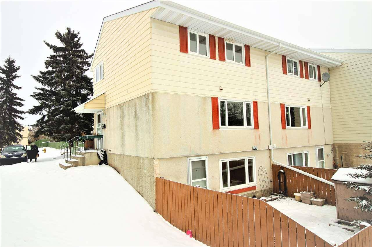 Townhouse for sale at 3 Callingwood Ct Nw Edmonton Alberta - MLS: E4182163