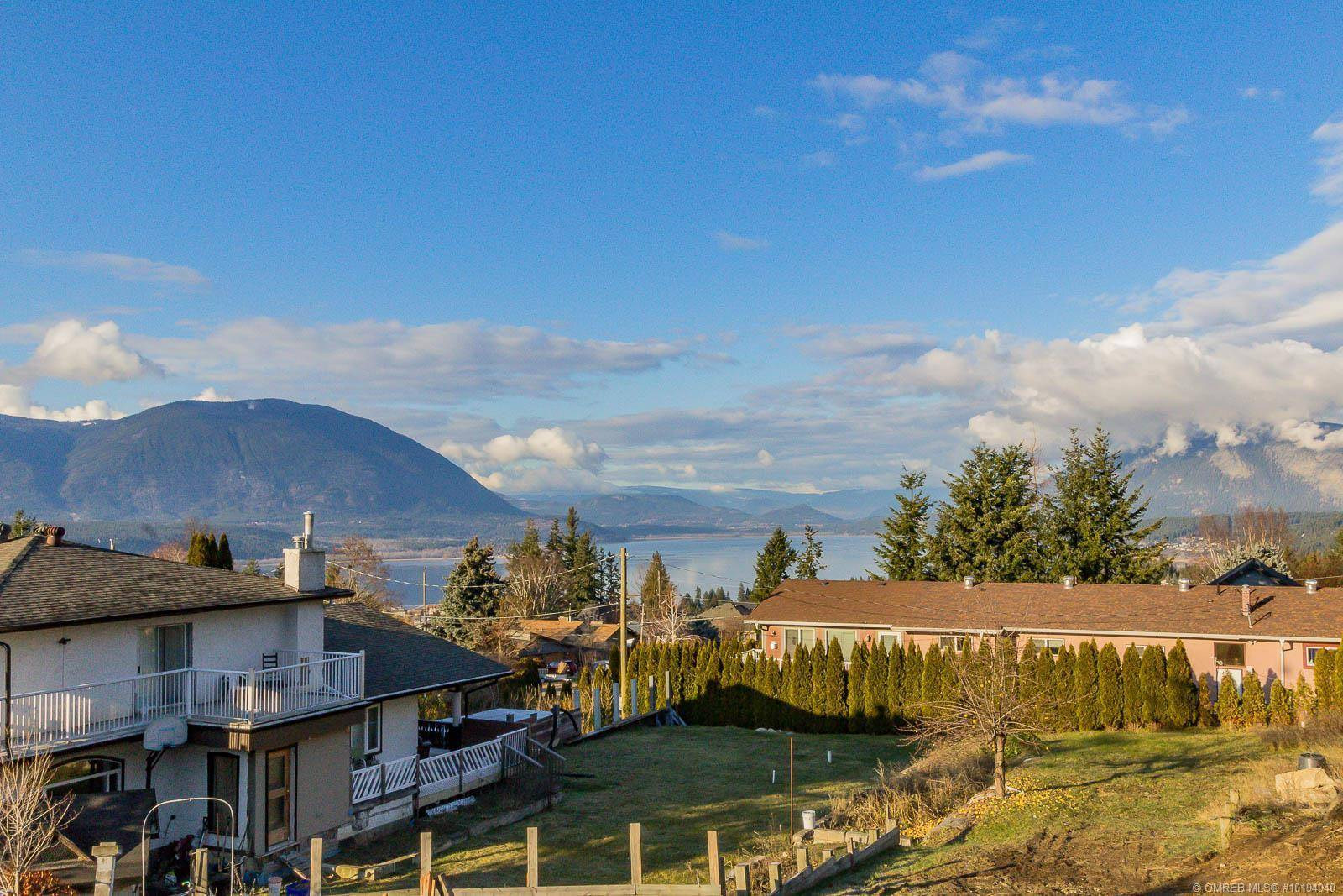 Home for sale at 1170 15 St Southeast Unit 4 Salmon Arm British Columbia - MLS: 10194940