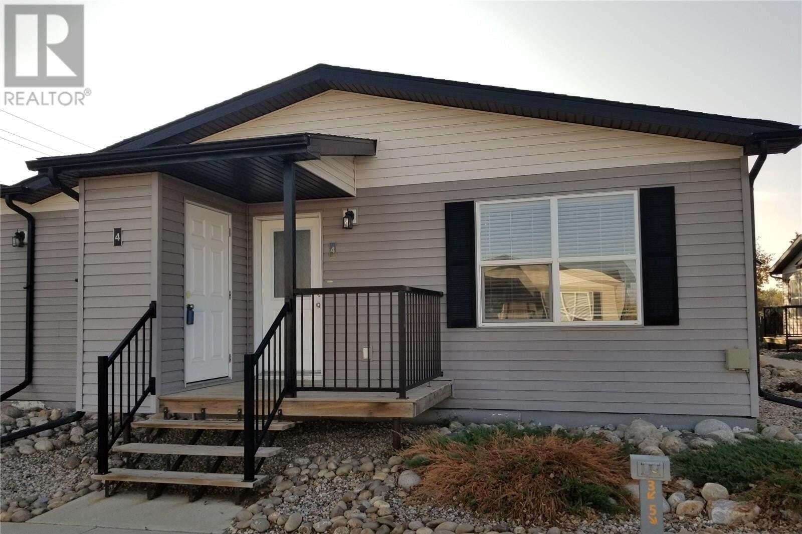 Townhouse for sale at 1275 South Railway St E Unit 4 Swift Current Saskatchewan - MLS: SK827186