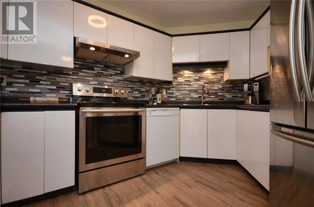 Condo for sale at 1331 Johnson St Unit 4 Victoria British Columbia - MLS: 415818