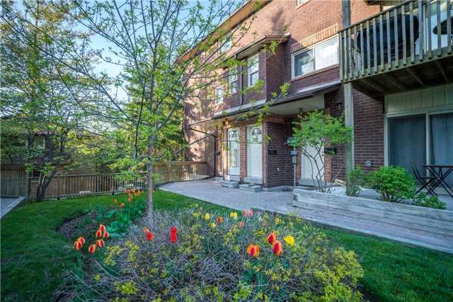 For Sale: 21 Meadow Lane, Barrie, ON   2 Bed, 1 Bath Townhouse for $223,900. See 20 photos!