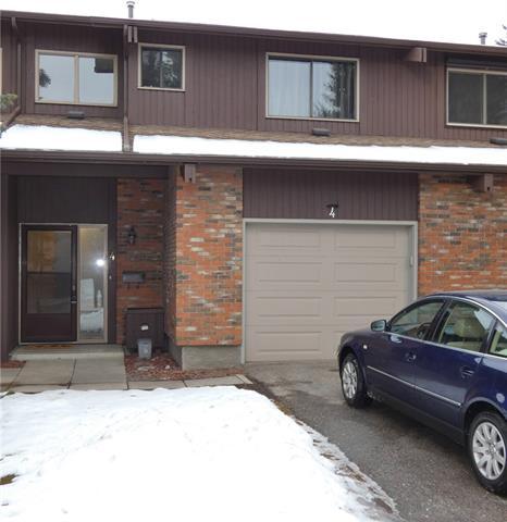 Buliding: 2323 Oakmoor Drive Southwest, Calgary, AB