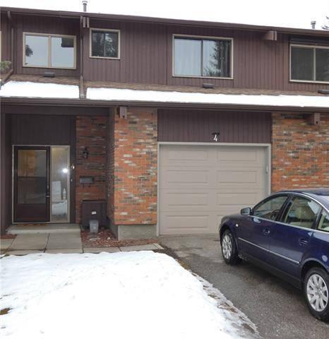 Townhouse for sale at 2323 Oakmoor Dr Southwest Unit 4 Calgary Alberta - MLS: C4239087