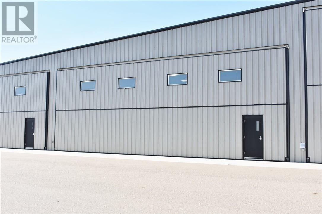 Commercial property for sale at 32 Halifax Wy Southwest Unit 4 Medicine Hat Alberta - MLS: mh0177871