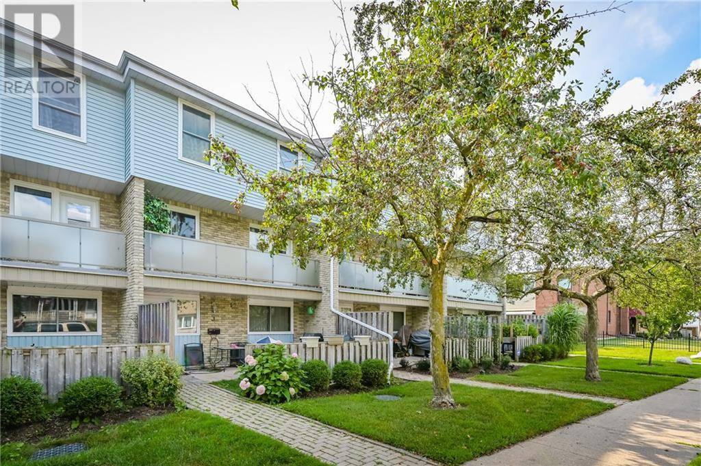 Townhouse for sale at 35 Breckenridge Dr Unit 4 Kitchener Ontario - MLS: 30739059