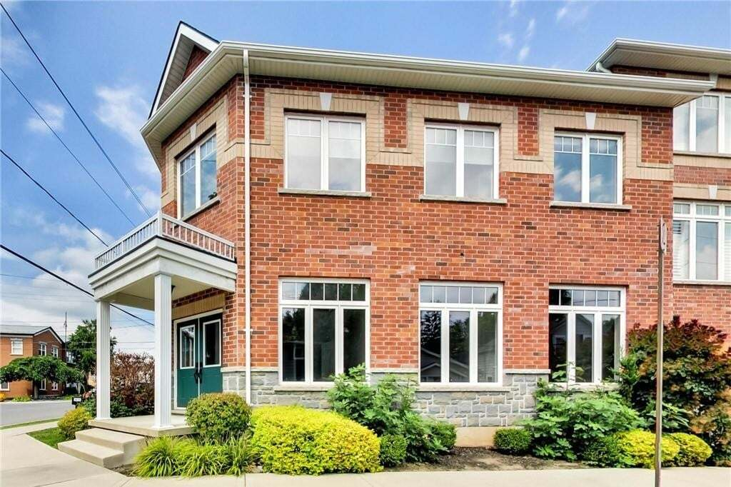 Commercial property for sale at 37 Main St S Unit 4 Waterdown Ontario - MLS: H4086090