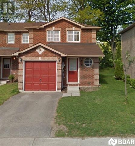 Buliding: 38 Kenwell Crescent, Barrie, ON