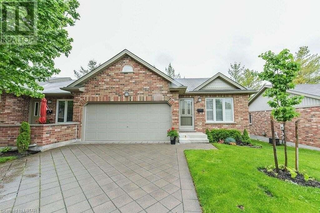 Home for sale at 43 Capulet Wk Unit 4 London Ontario - MLS: 263729
