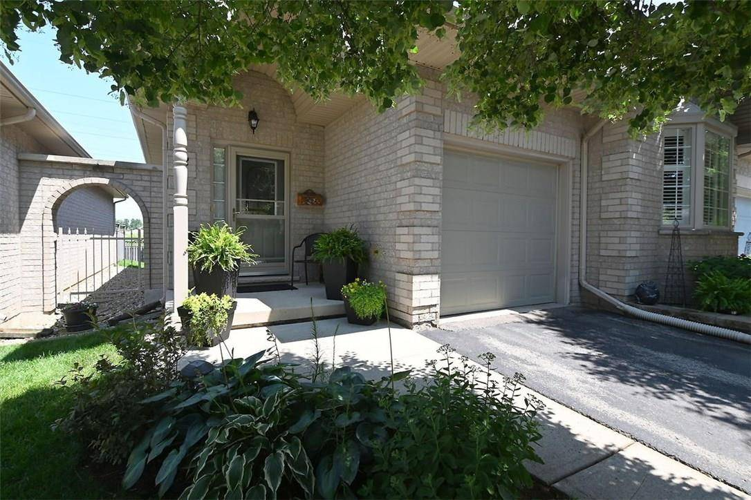 Townhouse for sale at 52 Northernbreeze St Unit 4 Glanbrook Ontario - MLS: H4059554