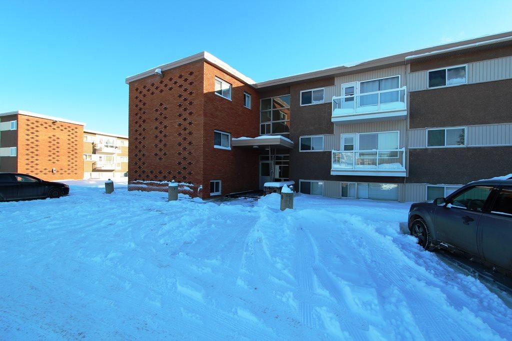 For Sale: 6205 98 Avenue, Edmonton, AB | 1 Bed, 1 Bath Condo for $72,000. See 11 photos!