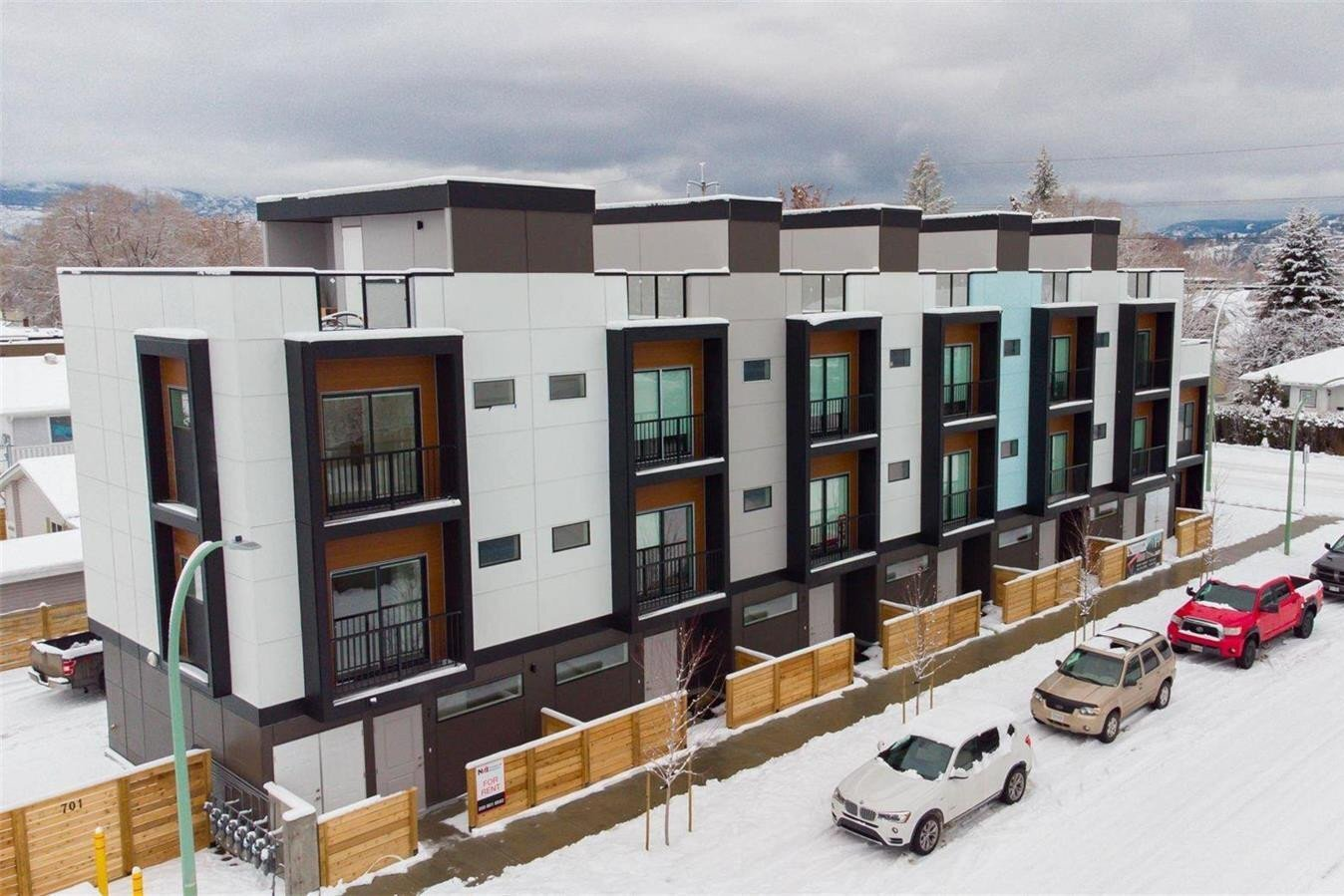 Townhouse for sale at 701 Morrison Ave Unit 4 Kelowna British Columbia - MLS: 10221286