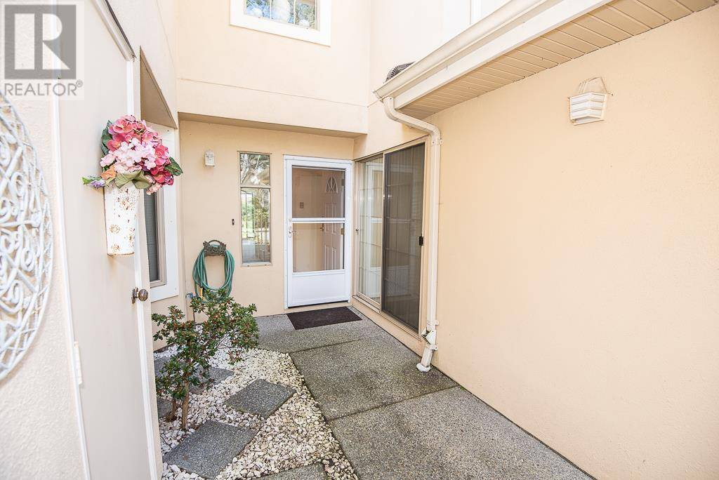 Townhouse for sale at 909 Admirals Rd Unit 4 Victoria British Columbia - MLS: 422033