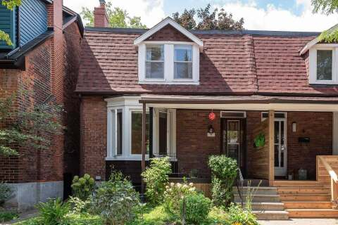 Townhouse for sale at 4 Alhambra Ave Toronto Ontario - MLS: W4914752