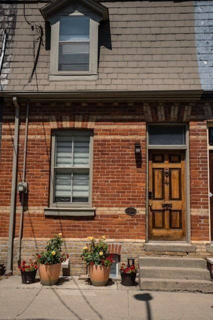 Townhouse for rent at 4 Alpha Ave Toronto Ontario - MLS: C4553525