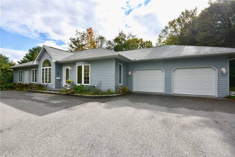 House for sale at 4 Beechwood Cres Oro-medonte Ontario - MLS: S4591552
