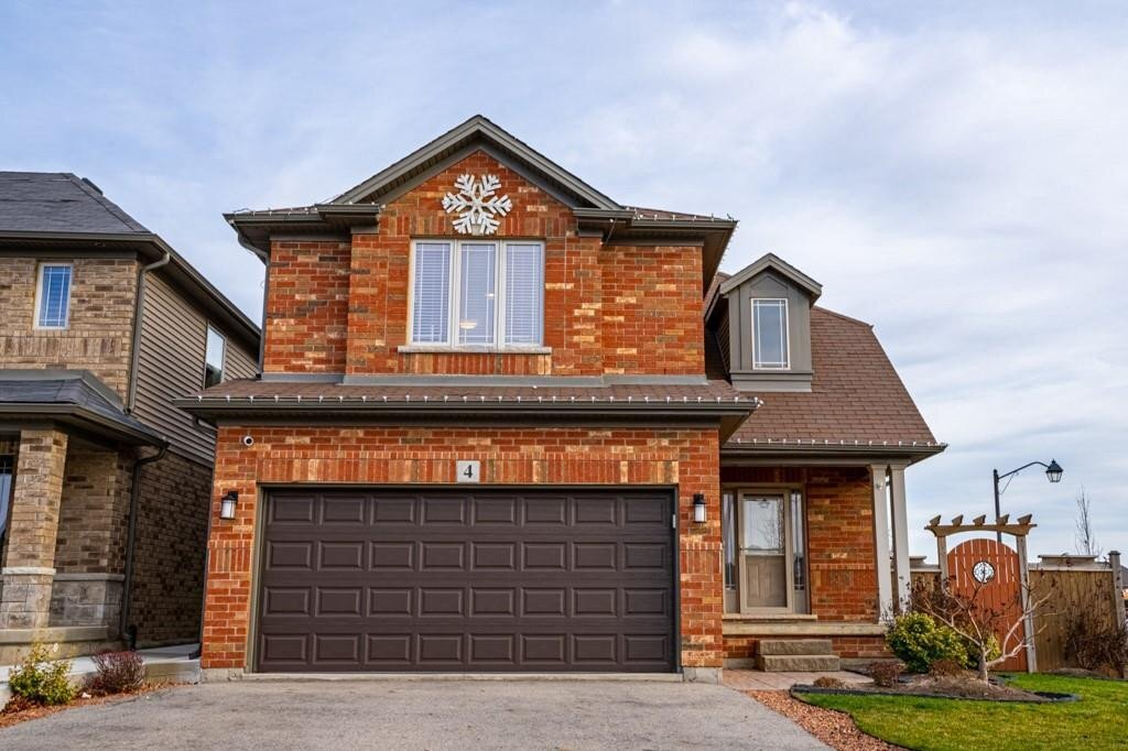 House for sale at 4 Blue Ribbon Wy Binbrook Ontario - MLS: H4093445