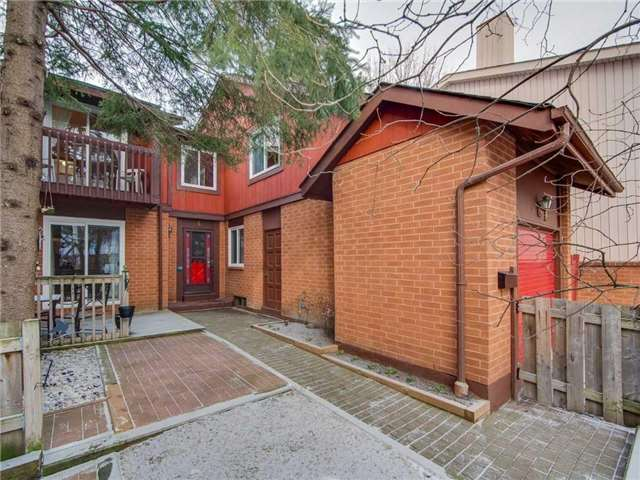 Sold: 4 Briarcreek Road, Toronto, ON