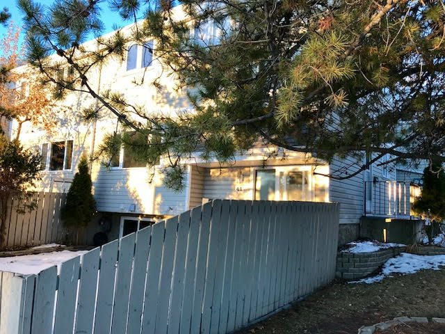 For Sale: 4 Castle Terrace, Edmonton, AB | 3 Bed, 2 Bath Townhouse for $208,800. See 29 photos!