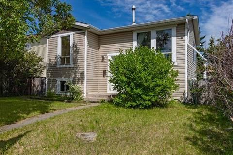 House for sale at 4 Castlebrook Ri Northeast Calgary Alberta - MLS: C4256840
