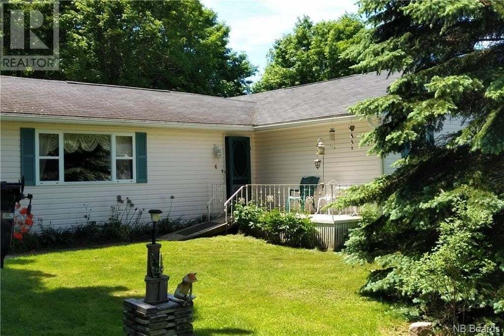 House for sale at 4 Dobson Ln Rothesay New Brunswick - MLS: NB045175