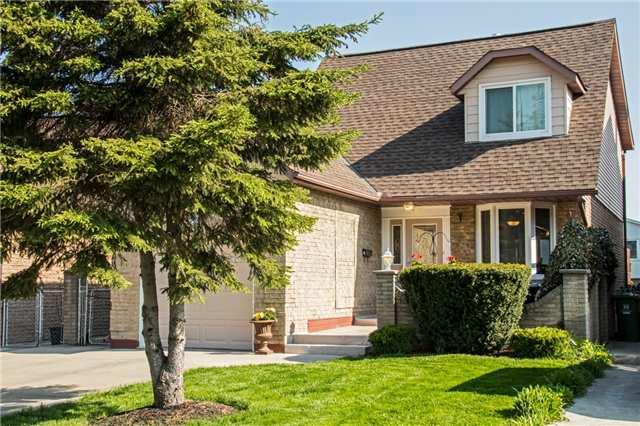 Sold: 4 Glenashton Drive, Hamilton, ON
