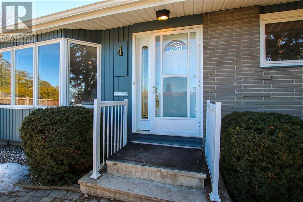 House for sale at 4 Higwood Dr Ottawa Ontario - MLS: 1187680