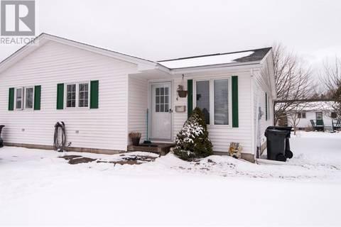 House for sale at 4 Jillian Ct Saint John New Brunswick - MLS: NB021915