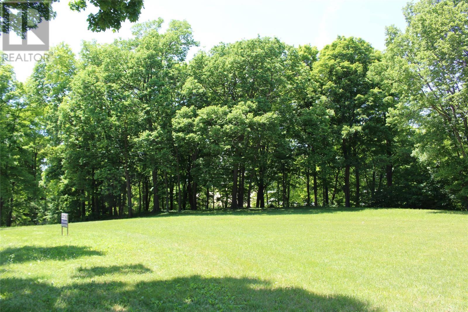 Residential property for sale at 0 Oakglen  Unit 4 Kingsville Ontario - MLS: 1400639