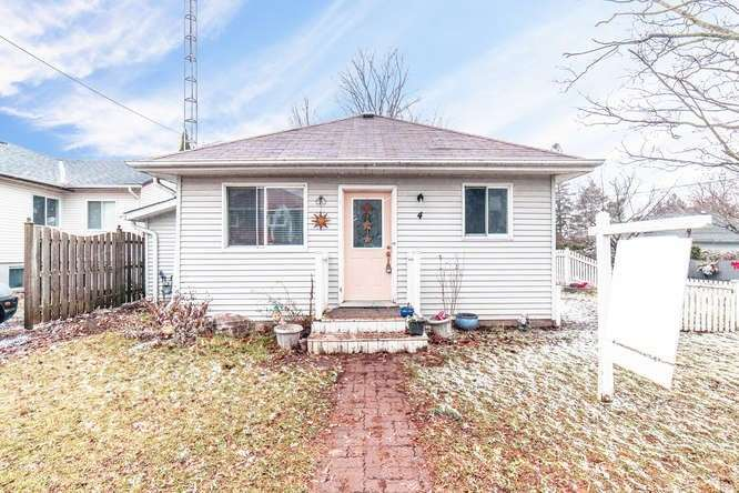 House for sale at 4 Marina Drive Scugog Ontario - MLS: E4312304