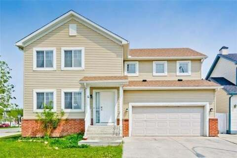 House for sale at 4 Martha's Haven Green Northeast Calgary Alberta - MLS: C4302874