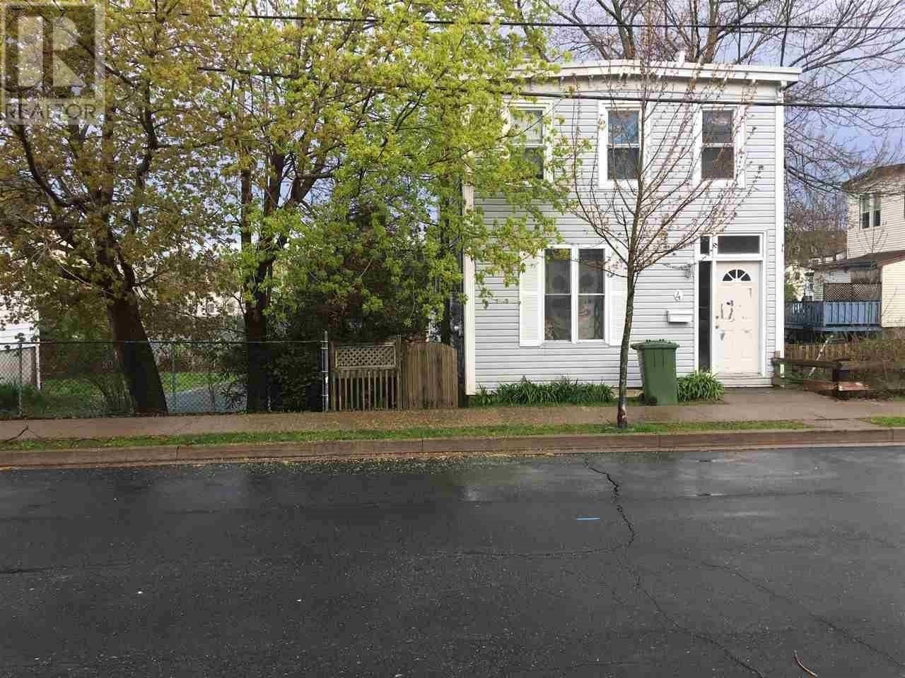 House for sale at 4 Myrtle St Unit 4 Dartmouth Nova Scotia - MLS: 201912364