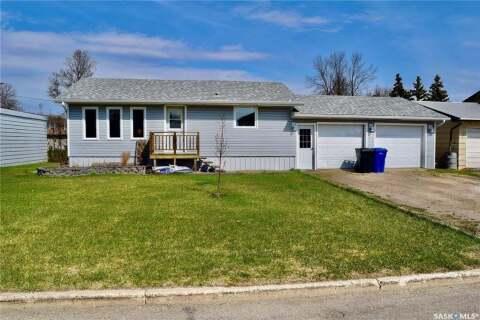 House for sale at 4 Roberts St Redvers Saskatchewan - MLS: SK808174