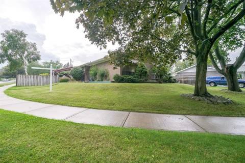 House for sale at 4 Samson Cres Toronto Ontario - MLS: E4552801