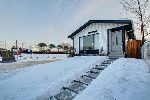 House for sale at 4 Shawmeadows Cs Southwest Calgary Alberta - MLS: C4278908