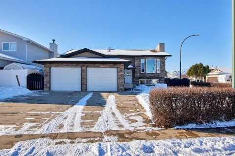 House for sale at 4 Simmons Ct SE Medicine Hat Alberta - MLS: A1013779