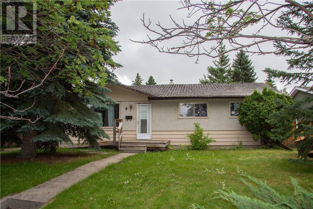 House for sale at 4 Stirling Cs Red Deer Alberta - MLS: ca0175361