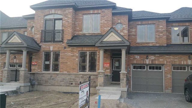 For Rent: 4 Walter English Drive, East Gwillimbury, ON | 3 Bed, 3 Bath Townhouse for $1,625. See 5 photos!