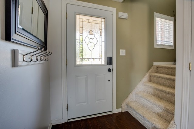 For Sale: 4 Weymouth Road, Barrie, ON   3 Bed, 2 Bath Townhouse for $399,900. See 20 photos!