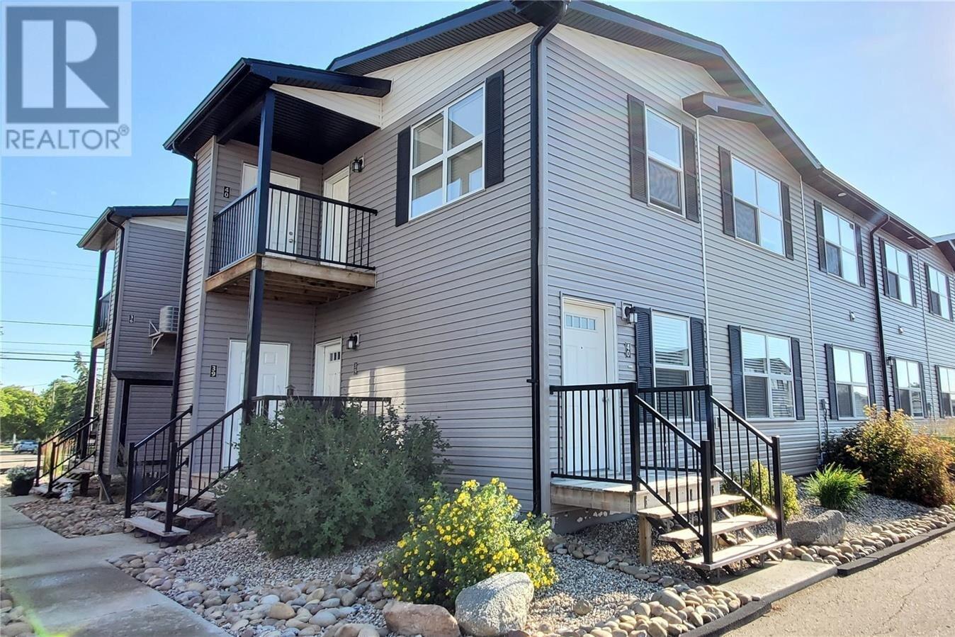 Townhouse for sale at 1275 South Railway St E Unit 40 Swift Current Saskatchewan - MLS: SK818965